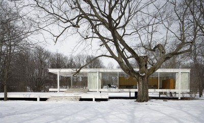 Farnsworth_House_2006